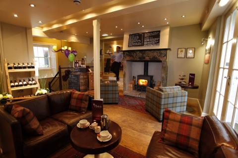 Plato's Kirkby Lonsdale – bar
