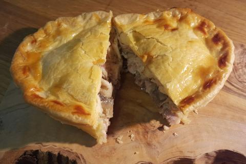 Wagtail Catering - chicken and mushroom pie